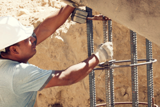 On-the-job stretches help construction workers prevent injuries [infographic]